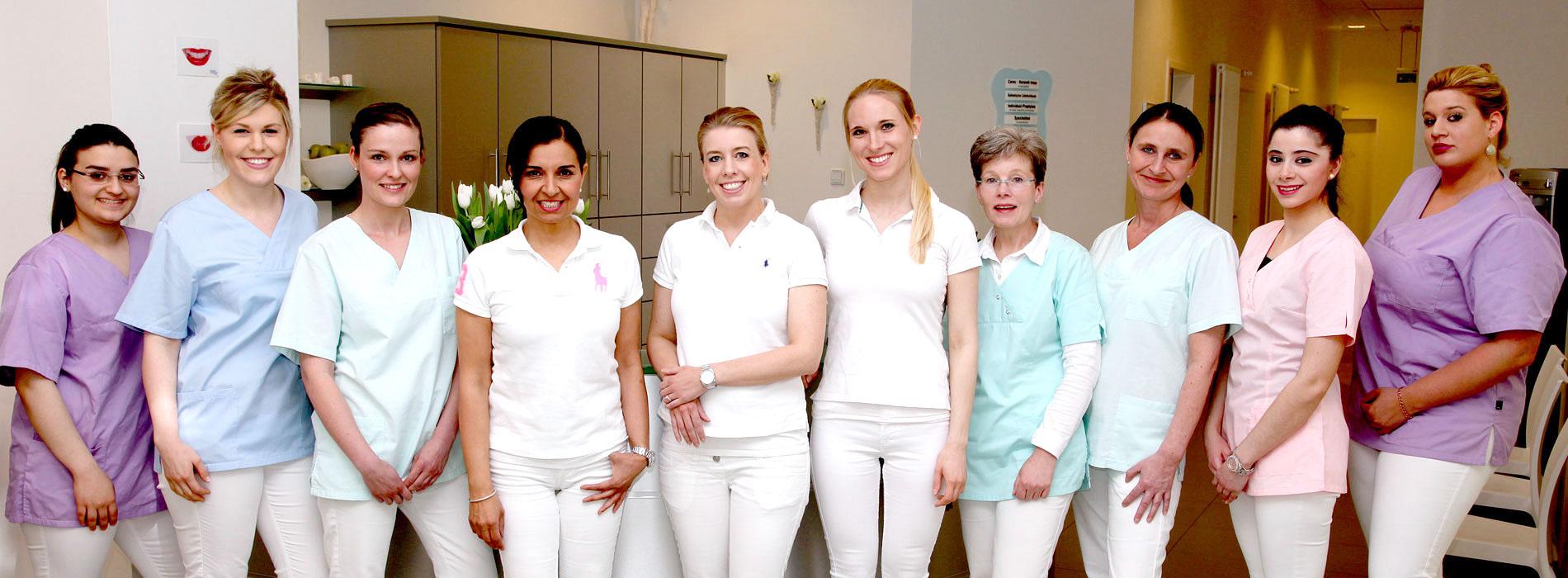 Zahnärzte und Team